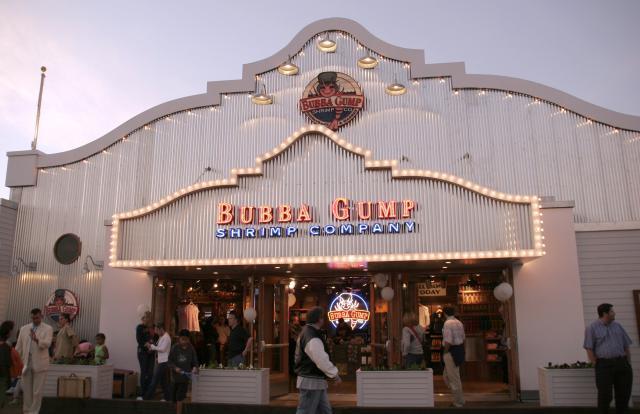 UNITED STATES - NOVEMBER 05: The Santa Monica Pier in Santa Monica, United States on November 05, 2005 - The Bubba Gump Shrimp Company restaurant at the Santa Monica Pier. (Photo by Mike FANOUS/Gamma-Rapho via Getty Images)
